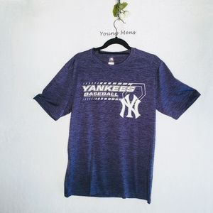 YANKEES GENUINE MERCHANDISE T Shirt